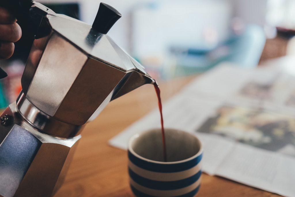 como_hacer_cafe_en_cafetera_italiana