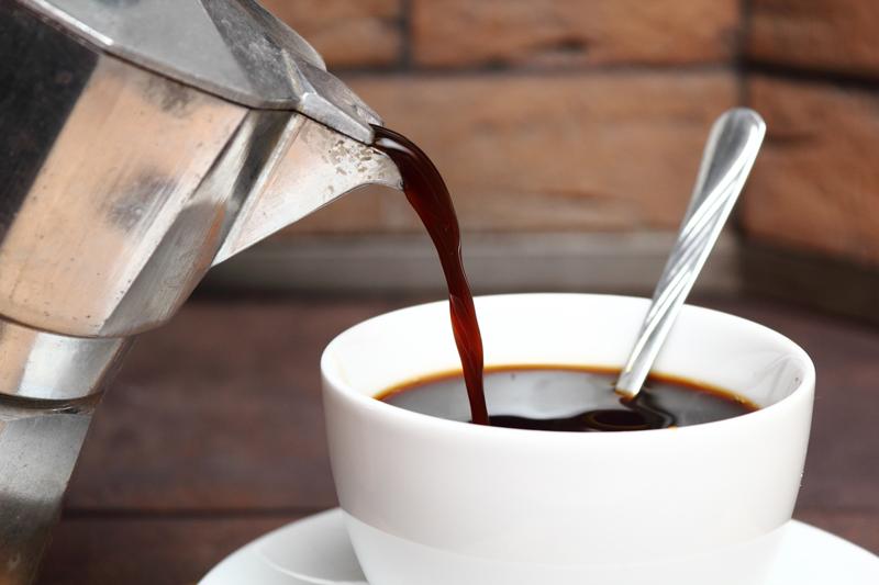 como_hacer_cafe_en_cafetera_italiana_moka